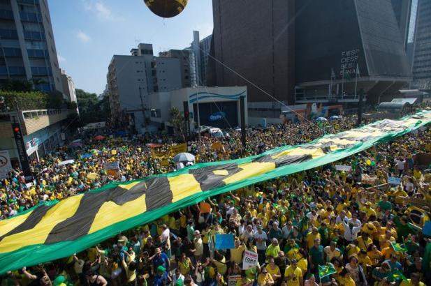 Protestos reúnem cerca de 460 mil pessoas nas principais capitais