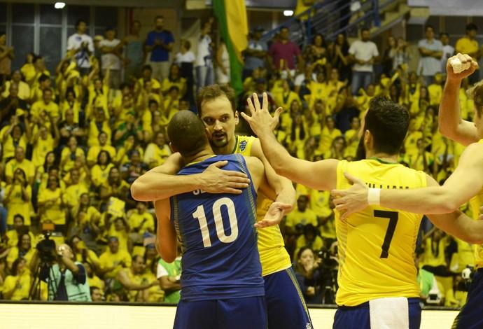 Brasil cede um set, mas bate Austrália e se mantém invicto na Liga Mundial