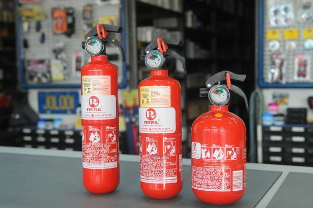 Início da obrigatoriedade dos extintores ABC em veículos é novamente adiada