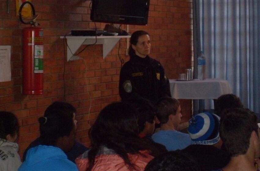 Órgãos de Segurança como PRF e PC junto com a UCS na prevenção às drogas