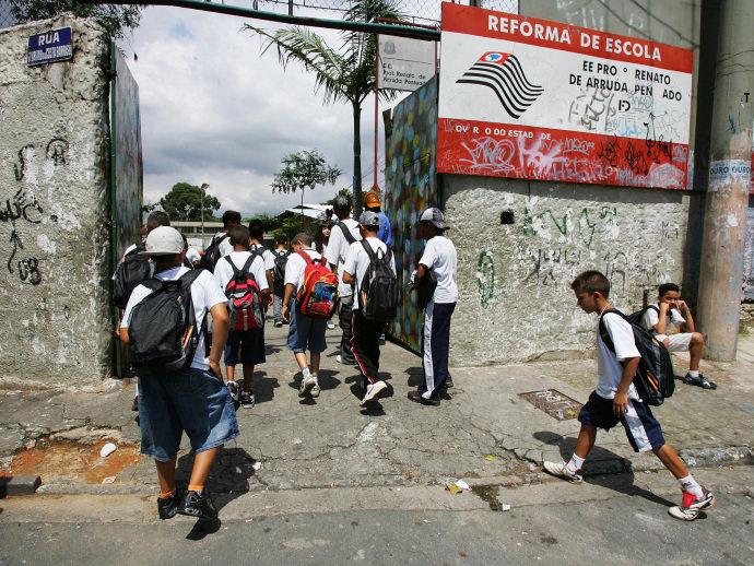 Em 2022, Brasil será um país de alfabetizados – e nada mais