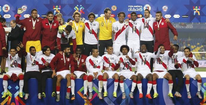 Guerrero faz um, Peru bate Paraguai e fica como terceiro melhor da América