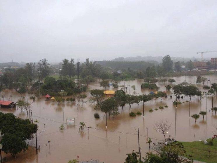 Corpo de Bombeiros de Vacaria angaria donativos para desabrigados por alagamentos no Estado