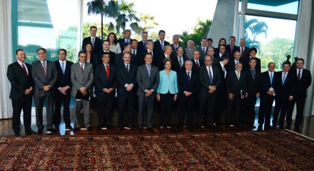 Em reunião com governadores, Dilma destaca que governo tem condições de enfrentar a crise