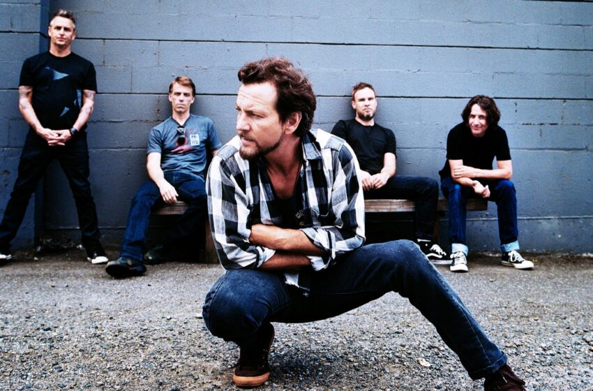Com carisma e turnê nova, Pearl Jam faz show enérgico em Porto Alegre