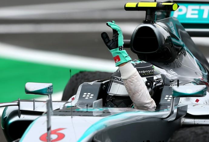 Implacável, Rosberg vence em SP e adia sonho de Hamilton mais uma vez