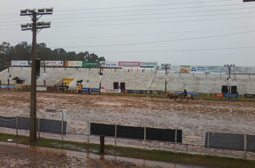 Final de Laço com chuva na Cancha Ferradura