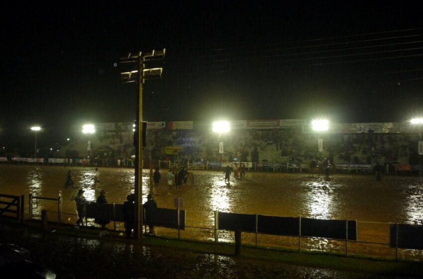 Cerca de 300 mil pessoas passaram pelo Parque Nicanor Kramer da Luz durante o Rodeio