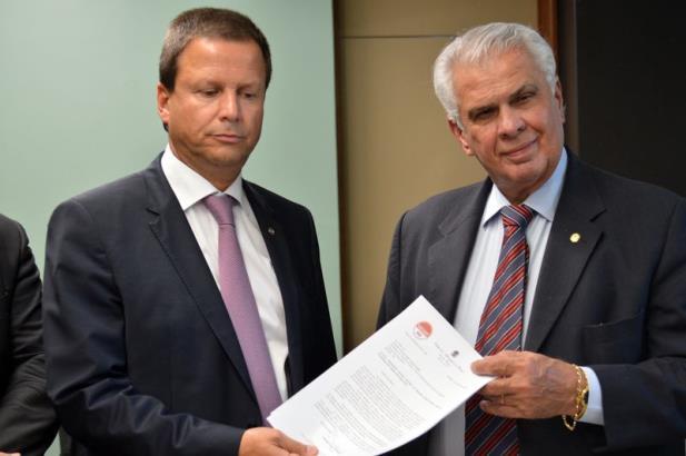 OAB pede afastamento de Eduardo Cunha da presidência da Câmara