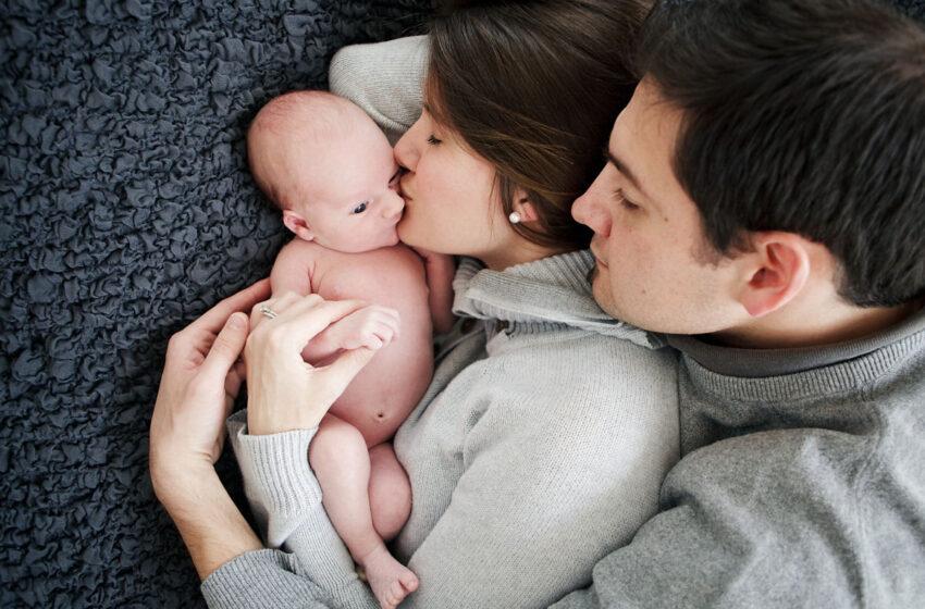 Sancionada lei que eleva licença paternidade para 20 dias