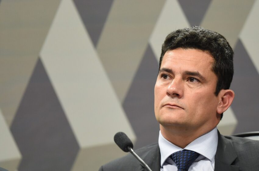 Justiça de São Paulo encaminha decisão sobre prisão de Lula para Moro