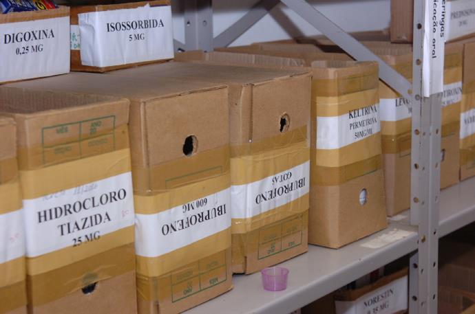 Farmácias de Porto Alegre reorganizam estoques após queda de norma do Coren