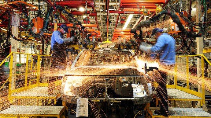 Economia brasileira vai encolher 4% em 2016, prevê OCDE