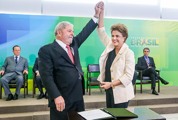 Juiz suspende nomeação de Lula; governo recorre