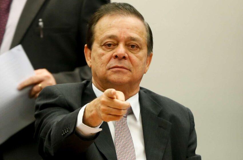 Relator cita indícios de crime de responsabilidade e defende processo de impeachment contra Dilma