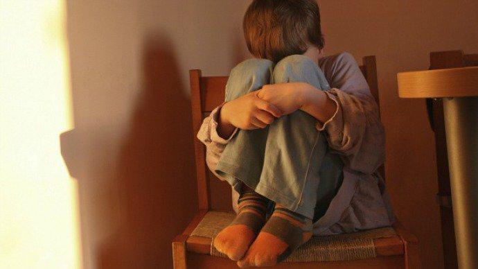 Palmadas estimulam agressividade em crianças, diz estudo