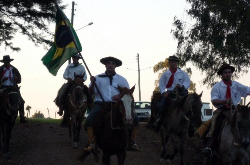 Semana Farroupilha 2012: Hoje tem Cavalgada dos Cavaleiros do 5º Distrito e Ronda do Querência do Socorro