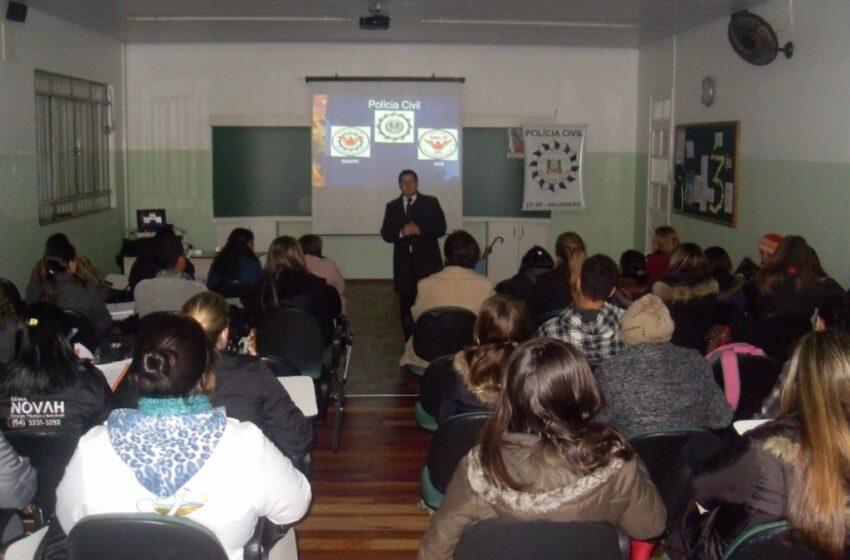Coordenador do Território de Paz ministra palestra aos alunos do Curso Técnico de Enfermagem