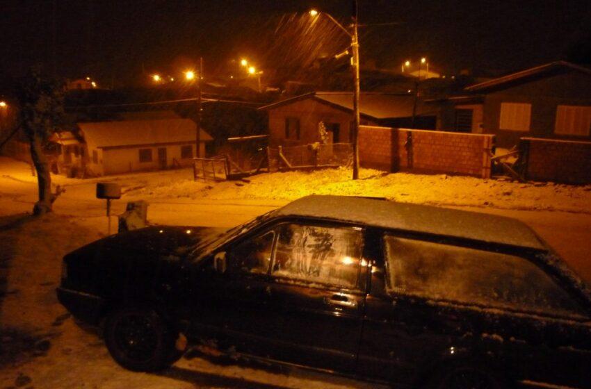 Confira as várias imagens da neve em Vacaria