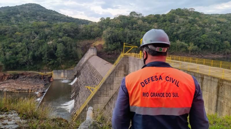 Defesa Civil Estadual realiza evacuação e notificação de edificações ao longo do Rio das Antas