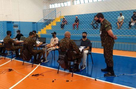 Exército em busca de jovens para o serviço militar