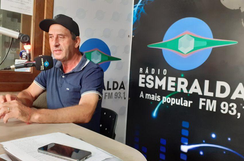 Reeleito, Prefeito Amadeu Boeira concede entrevista à Rádio Esmeralda