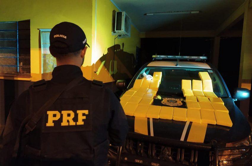 PRF prende traficante transportando cocaína avaliada em um milhão e meio de reais em Vacaria