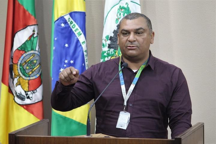 Diretor sindical dos Correios fala da situação que vivem os carteiros