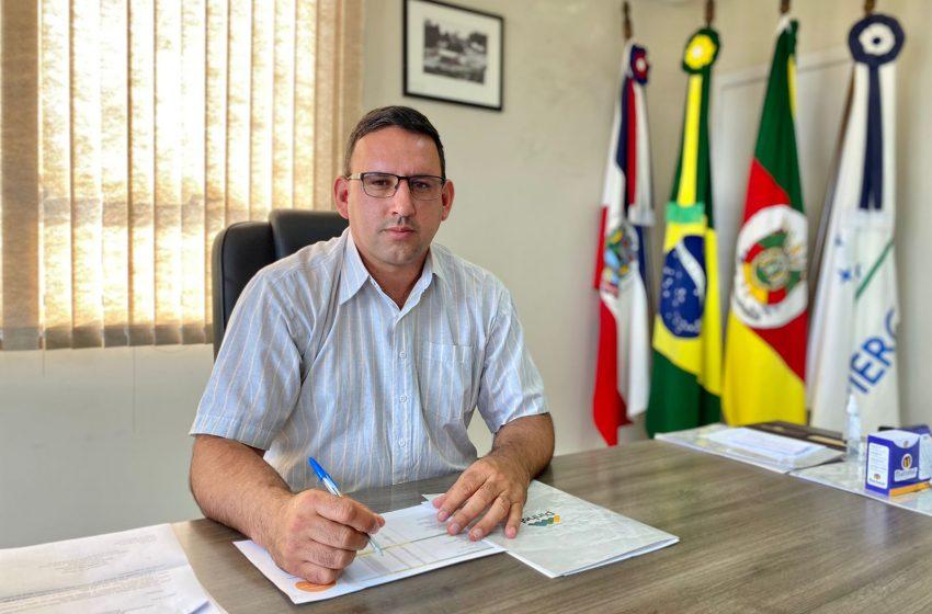 Prefeito diz que Pinhal da Serra vai continuar município